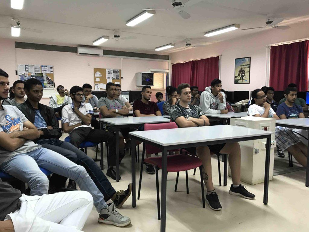 étudiants à la présentation ENI - Expernet